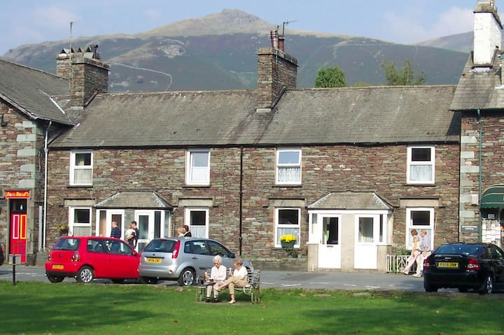 2 bedroom cottage central Grasmere with parking