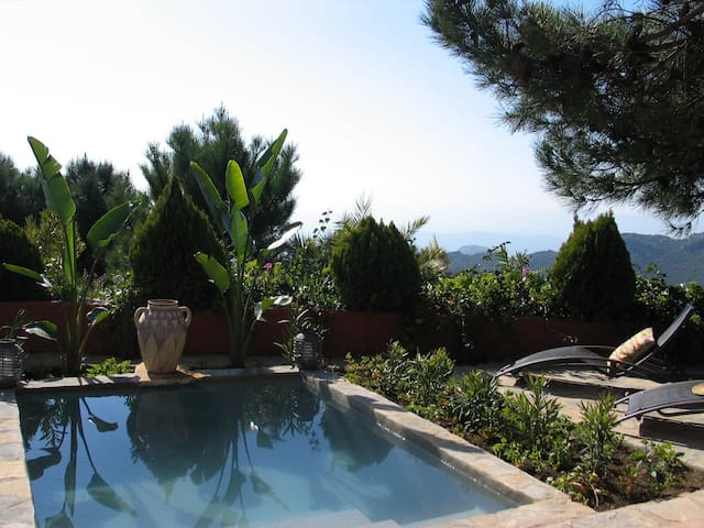 Romantic Casa with private pool and Hot Tub - Casares