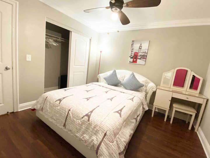 Cozy Bedroom 3/Smart TV /24hrAC