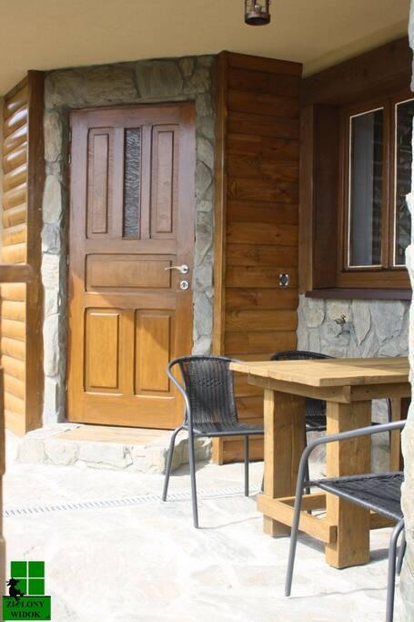 Apartament Zielony Widok - taras, miejsce do posiedzenia