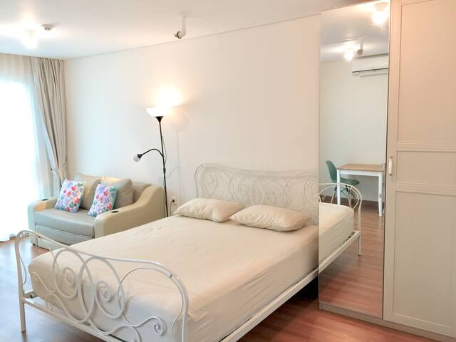 Spacious & Neat Triple Beds with Natural Light.