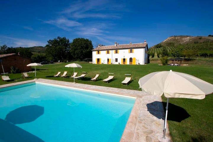 Casa & piscina paesaggio unico, storia, mare