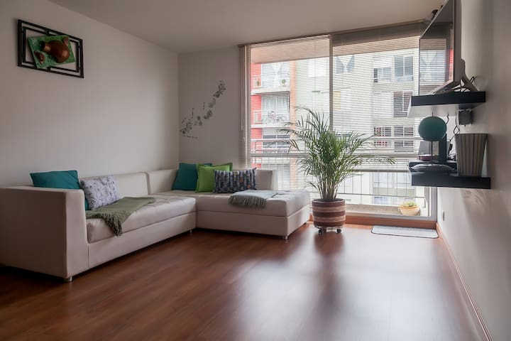 Cozy and modern room in a convenient location