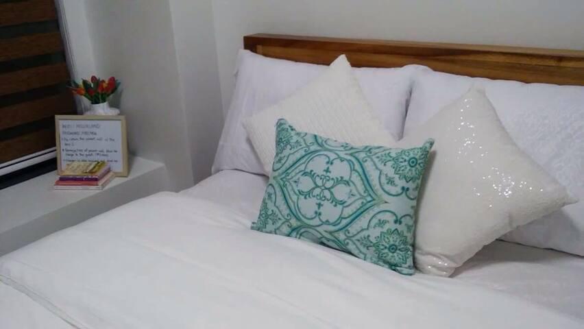 Cozy 1 Bed Room in Alabang