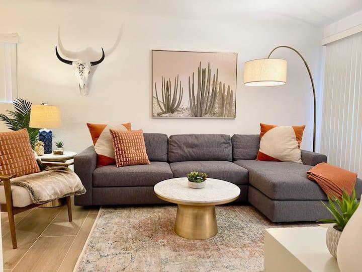Luxury 1 Bdrm Boho Modern Desert Oasis condo in PS