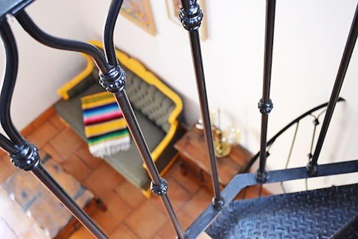 CENTRO: Unique Studio-Loft w/Rooftop Terrace - Santiago de Querétaro - Casa