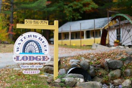 The Waterwheel Lodge - Woodstock