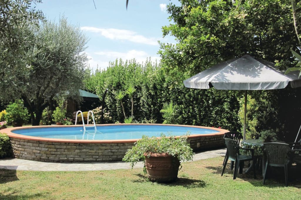 Marilla for visit historic lucca villas superhost ville for Piscina 4 torri lucca