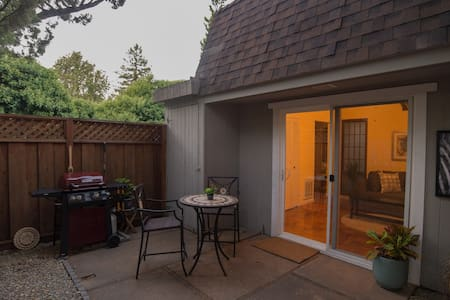 Our one bedroom, one bath cottage A is a private getaway for the vacationing, or working professional.  We offer a private living space with patio and kitchenette. A quiet, peaceful, location, central to all Bay Area attractions and businesses.