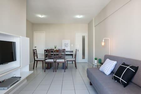Apt 3 quartos - Excelente localização (Espinheiro)