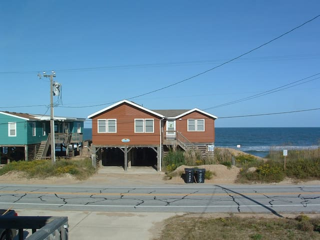 Outer Banks Ocean Front Cottage - Kitty Hawk