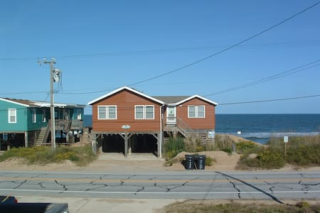 Outer Banks Ocean Front Cottage - Китти-Хок