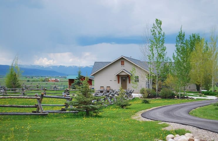 Teton View Cottage