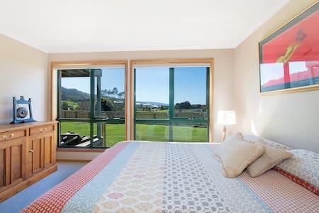 Beachcomber Retreat - Free WiFi - Apollo Bay - Apartment