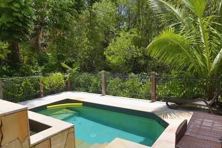 Sea Temple 3 Bedroom Villa - Palm Cove