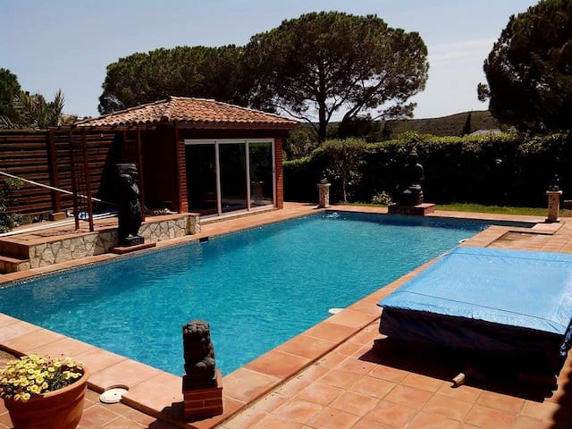 Lovely Independent Studio - L'Escala - House