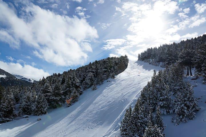 LUXURY Appart. in Andorra 5mn SKI Grandvalira WIFI - アンキャンプ