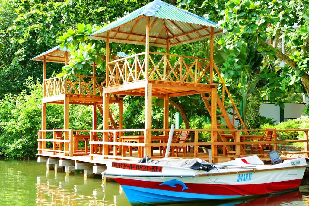 Ресторанчик на реке