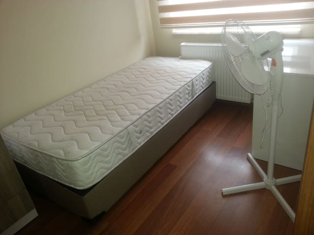 Clean and tidy room in Bursa - Nilüfer - บ้าน