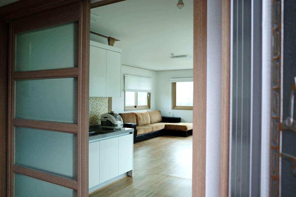 현관 studio style room