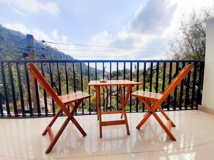 Dharamshala House-King Room-Balcony-Chef-Parking