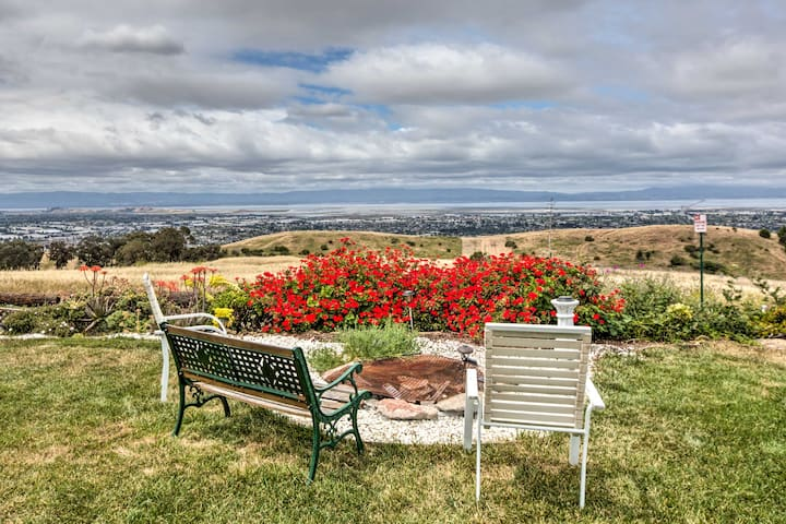 NEW! Floral Studio w/Bay Area Views ~2 Mi to Dtwn!
