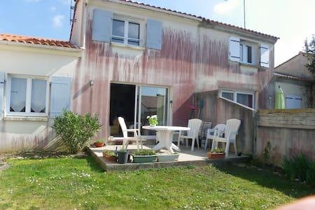 Maison individuelle - Brem-sur-Mer