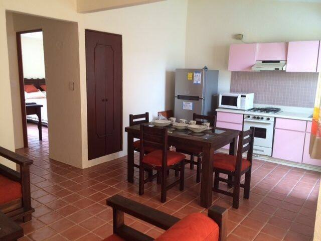 Depto. de 2 cuartos con parking. - San Felipe del Agua - Apartment