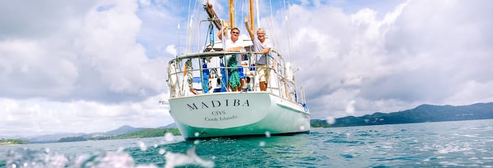 Private guided tour aboard classic yacht