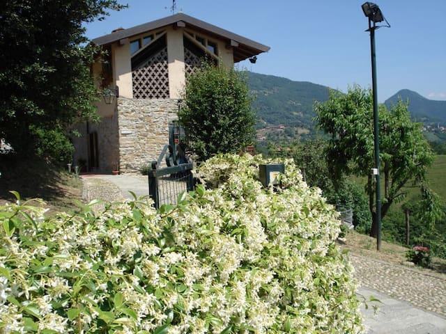 B&B Cascina Valgrande - Palazzago (Bergamo) -Italy