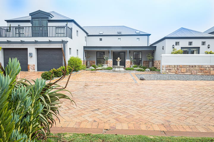 4 Bedroom Holiday House 19 Periwinkle