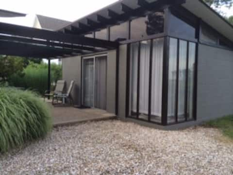 Canal front studio/loft apartment