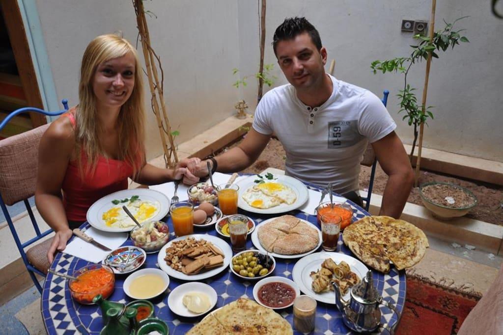 Le petit déjeuner au Riad De Rêve