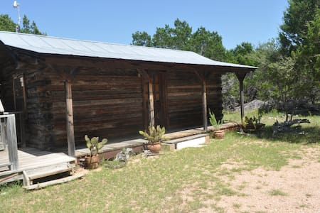 The Cactus Cabin at Flat Creek Crossing Ranch - Johnson City