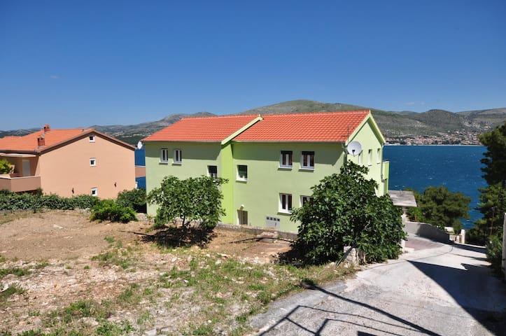 Apartments Kelam / Studio A2 - Okrug Donji
