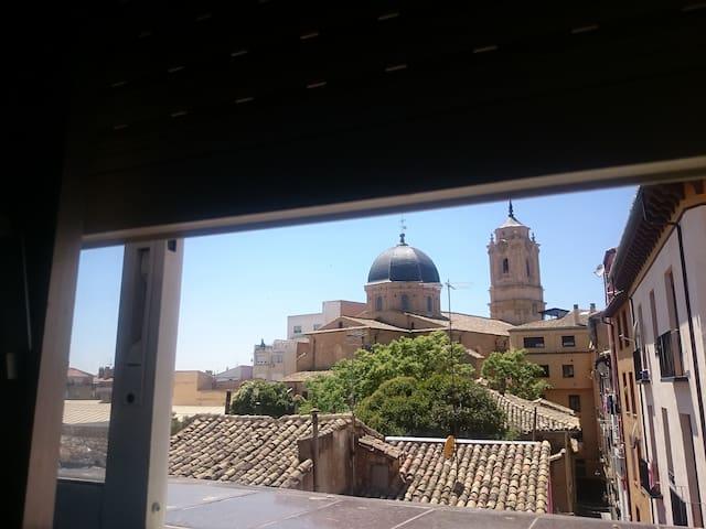 Habitacion de una persona en Huesca