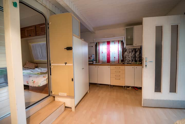 CARAVAN WITH KITCHEN AND TERRACE GOBARJEVA 1