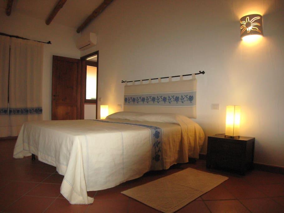 Appartamento olivastro b b vecchio ginepro chambres d for Chambre d hote sardaigne