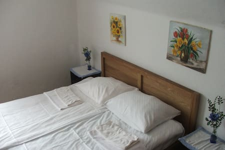 Single Room with Share bathroom - Cerklje na Gorenjskem