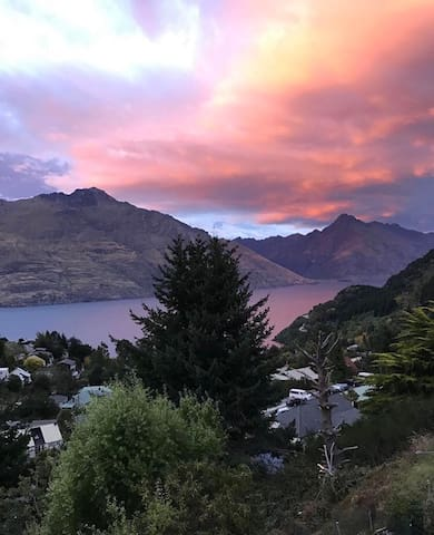 A window to lakes n mountain views - Queenstown - Apartment