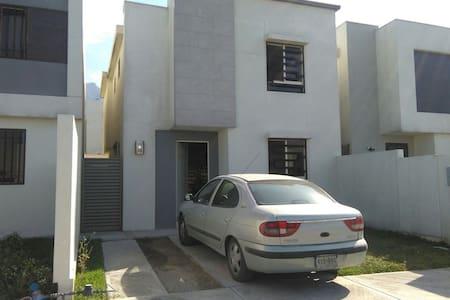 Habitaciones en renta para dama