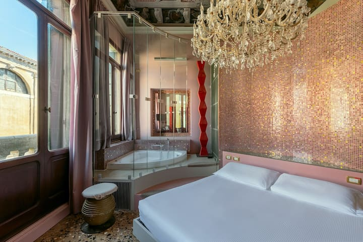 Deluxe room with Jacuzzi in Venice