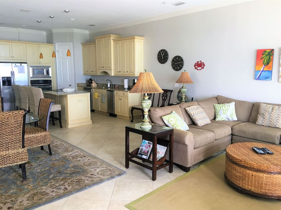 Open Living Space to Kitchen and Dining