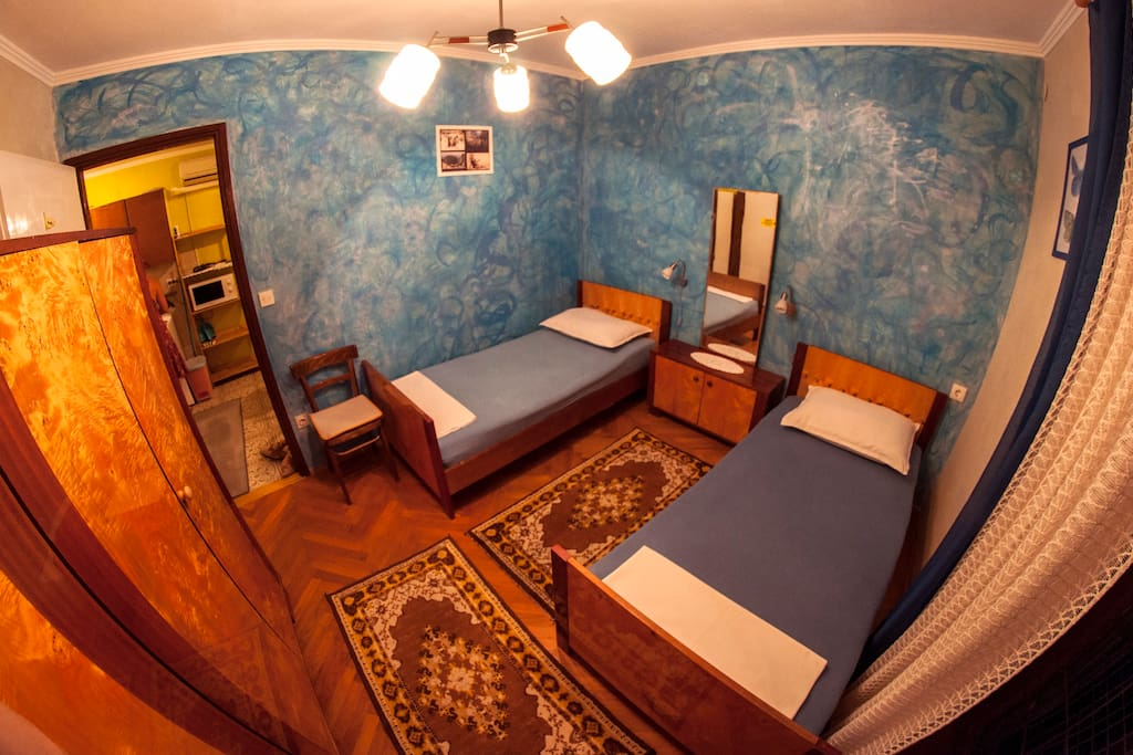 Bedroom with two single beds (or one double bed)