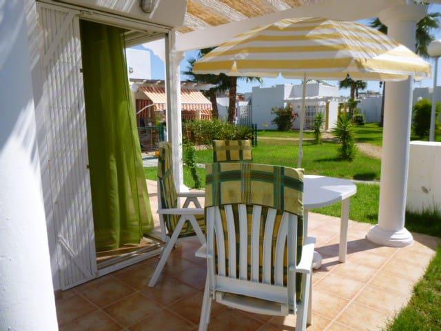 028. Preciosa casa con jardines - San Juan de los Terreros - Rumah