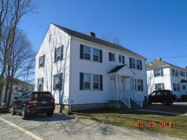 Townhouse Close to Downtown Newport & Beaches