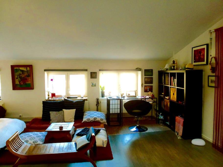 un nid d 39 amour dans le vieux lyon lofts louer lyon. Black Bedroom Furniture Sets. Home Design Ideas