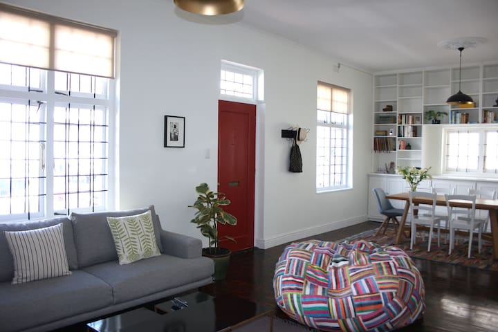 Kalk Bay Cottage - light, bright and peaceful