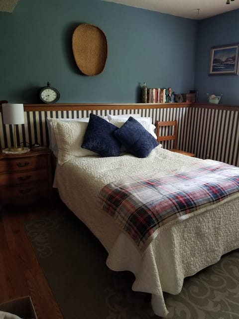 Cozy Guest suite and private room- Sioux Falls