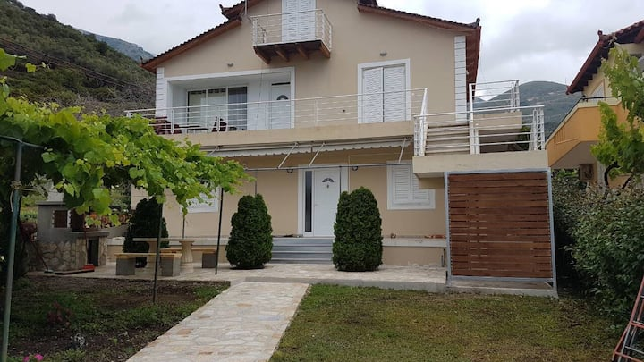 Hector Villa, beautiful apartment by the sea No1